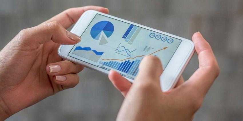 Top 12 Dashboard Mobile App UI Kits   CSForm